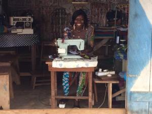 Bedrijfje van moeder Matina uit Ghana