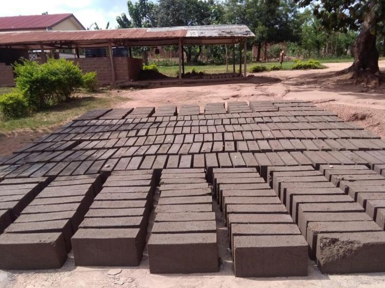 Project 3: Bouw school New Adomi Basic School in Vakpo